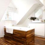 Jakie drewno nadaje się do łazienki, jak je zabezpieczyć i pielęgnować?