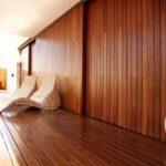 Drewniana okładzina na ścianie